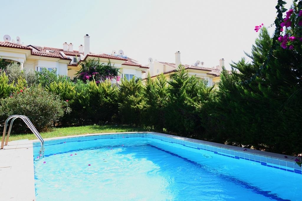 özel havuz